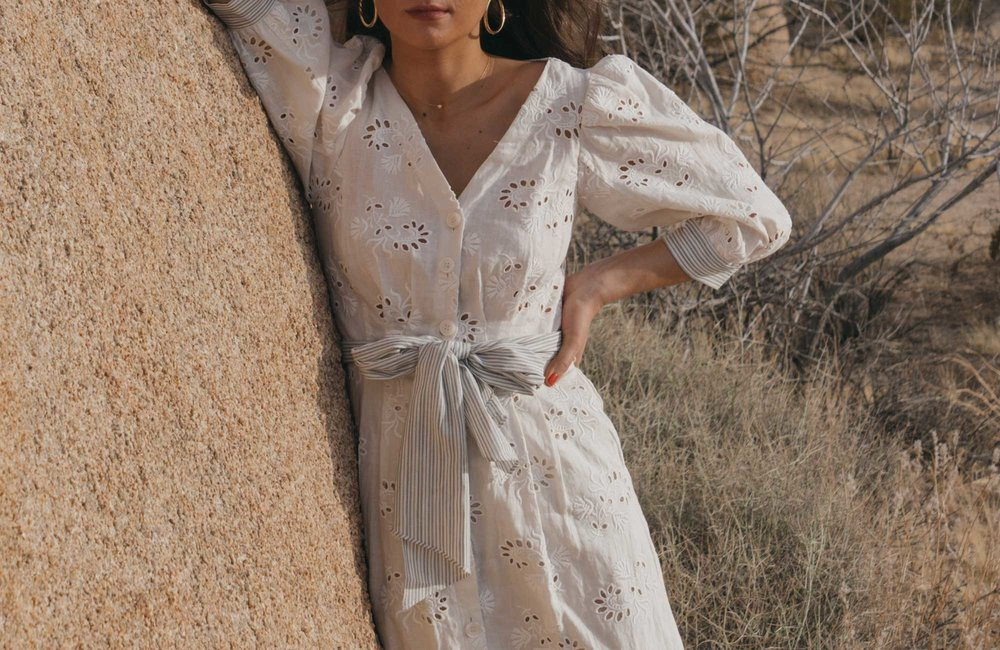 Rebecca-Taylor-vintage-inspired-eyelet-dress-Joshua-Tree-Festival-Outfit--9.jpg