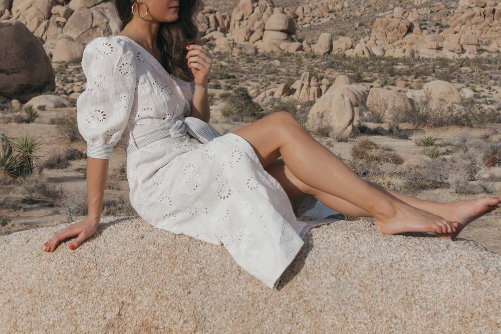 Rebecca-Taylor-vintage-inspired-eyelet-dress-Joshua-Tree-Festival-Outfit--27.jpg