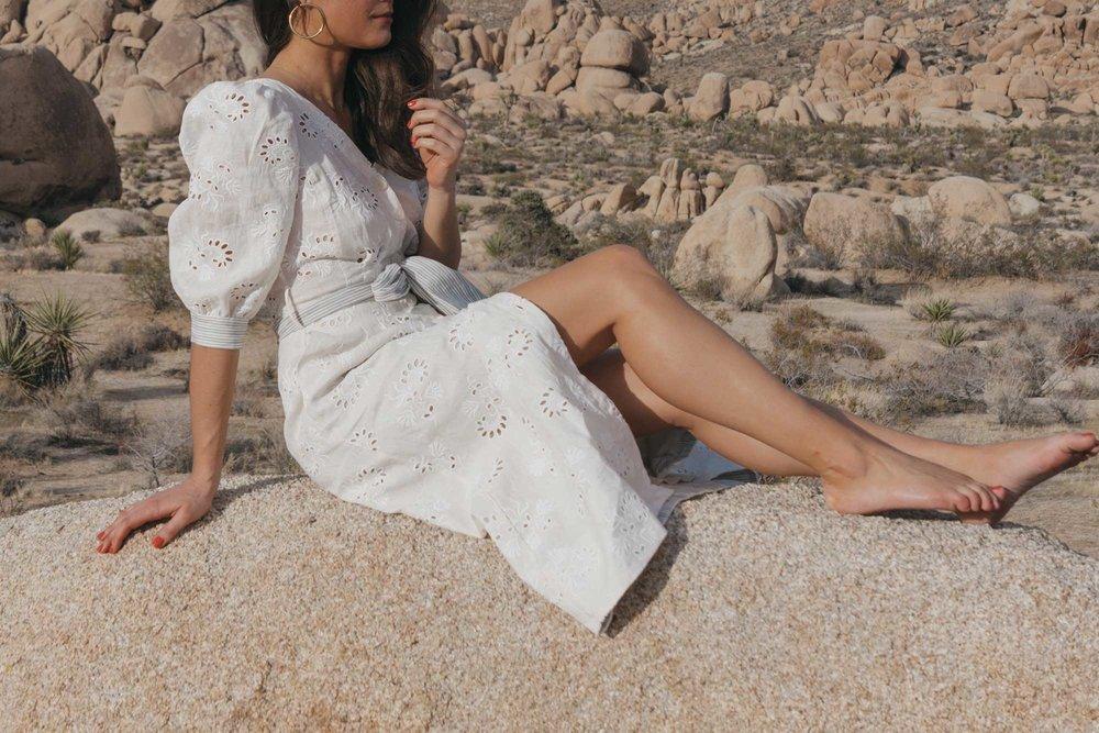 Rebecca-Taylor-vintage-inspired-eyelet-dress-Joshua-Tree-Festival-Outfit--27.jpg