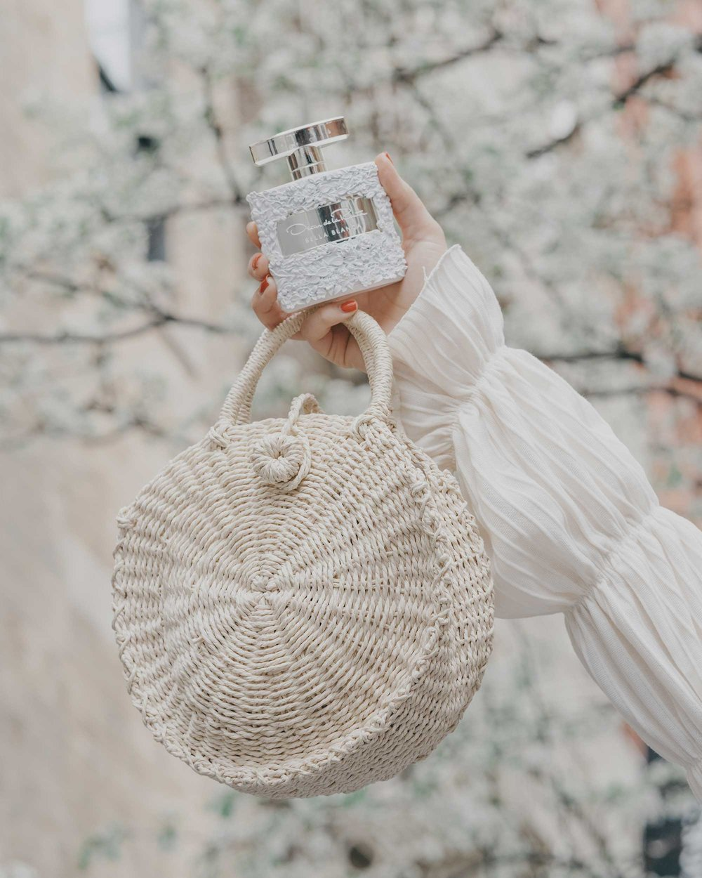 Oscar de la renta Bella Blanca perfume5.jpg