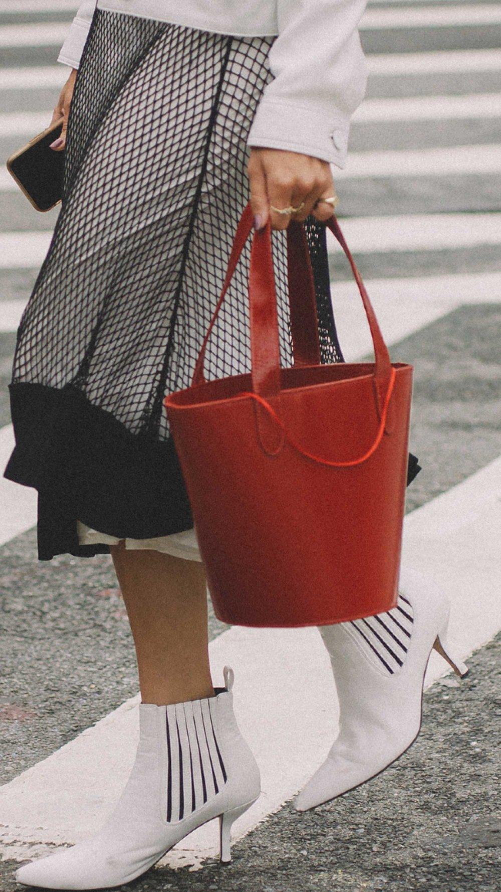 New-York-Fashion-Week-NYFW-SS18-street-style-day-five-SS18-5.jpg