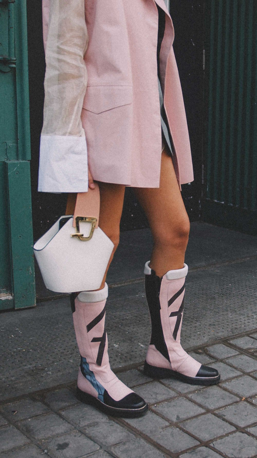 London Fashion Week Street Style Photos Day One SS18 Outfit Inspiration20.jpg