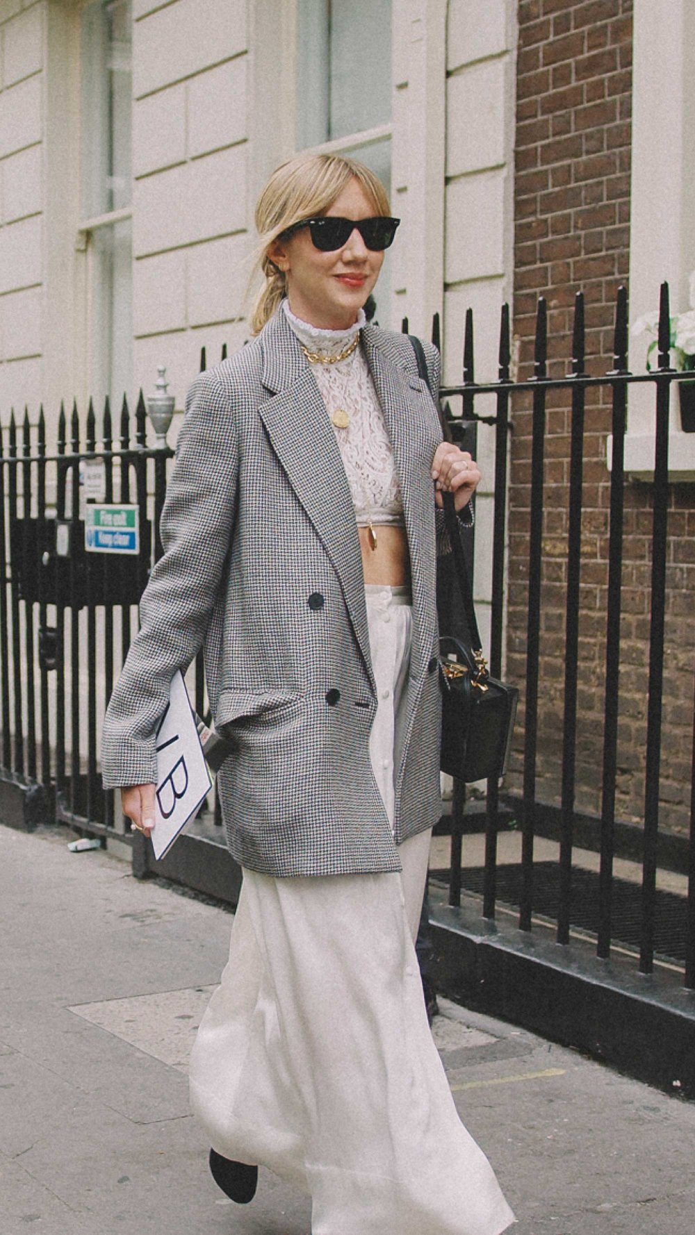 London-fashion-week-street-style-photos-day-two-ss194.jpg
