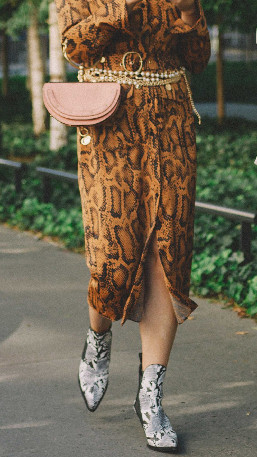 Paris-fashion-street-style-outfits-week-day-four-ss19-24.jpg