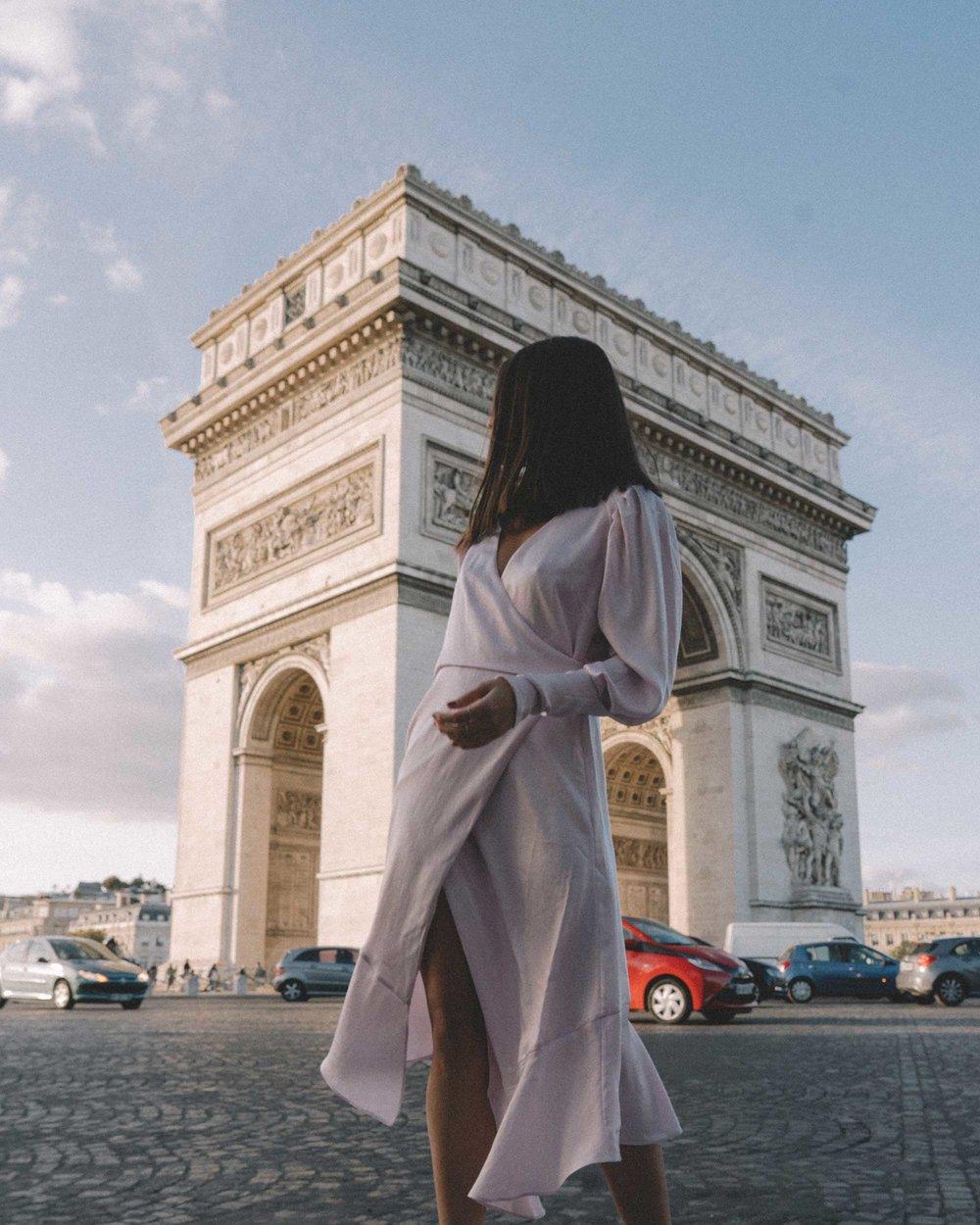 Joie Kyrene Long sleeves silk Wrap Midi Dress in purple Arc de Triomphe Paris Outfit2.jpg