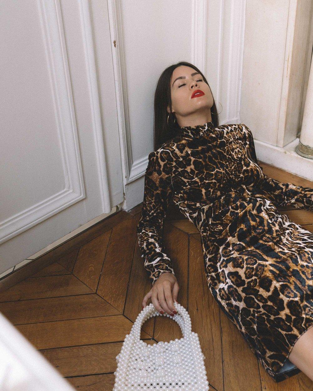 e52b33b8fd WAYF Peggy long sleeve leopard-print velvet Dress -2.jpg