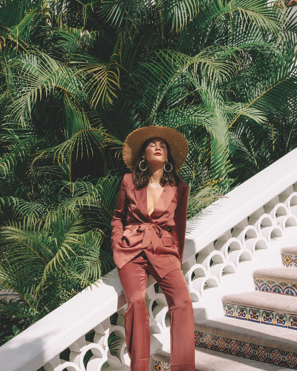 chic silk mauve suit one and only palmilla2018-12-05 at 4.23.03 PM 3.jpg