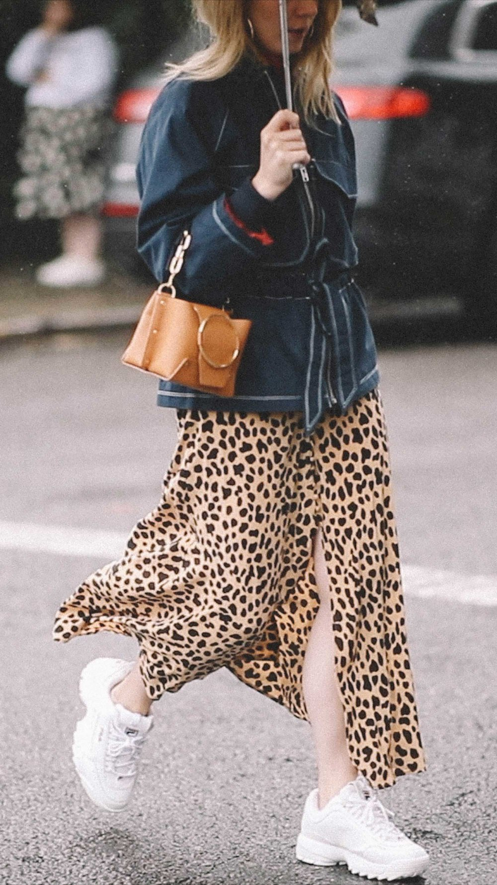 10 Easy Ways to Pull Off Animal Print, leopard skirt and sneakers street style.jpg