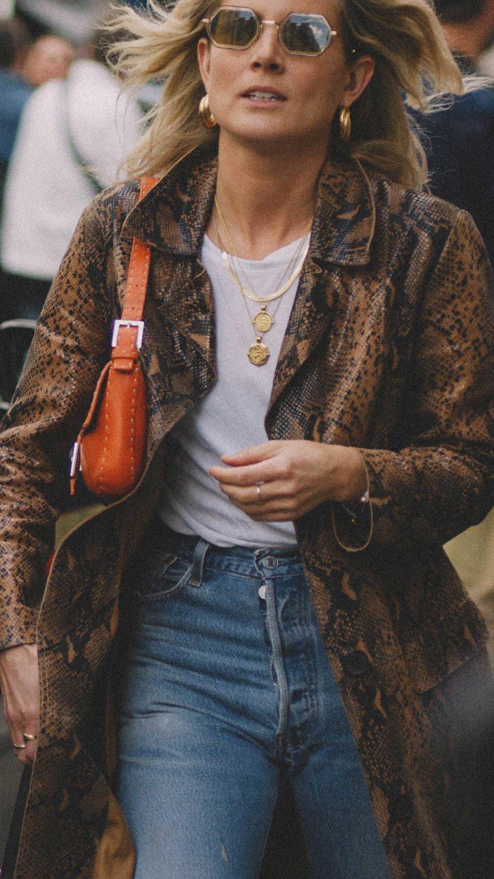 11 ways to wear snake print, snake print coat and gold jewelry street style paris.jpg