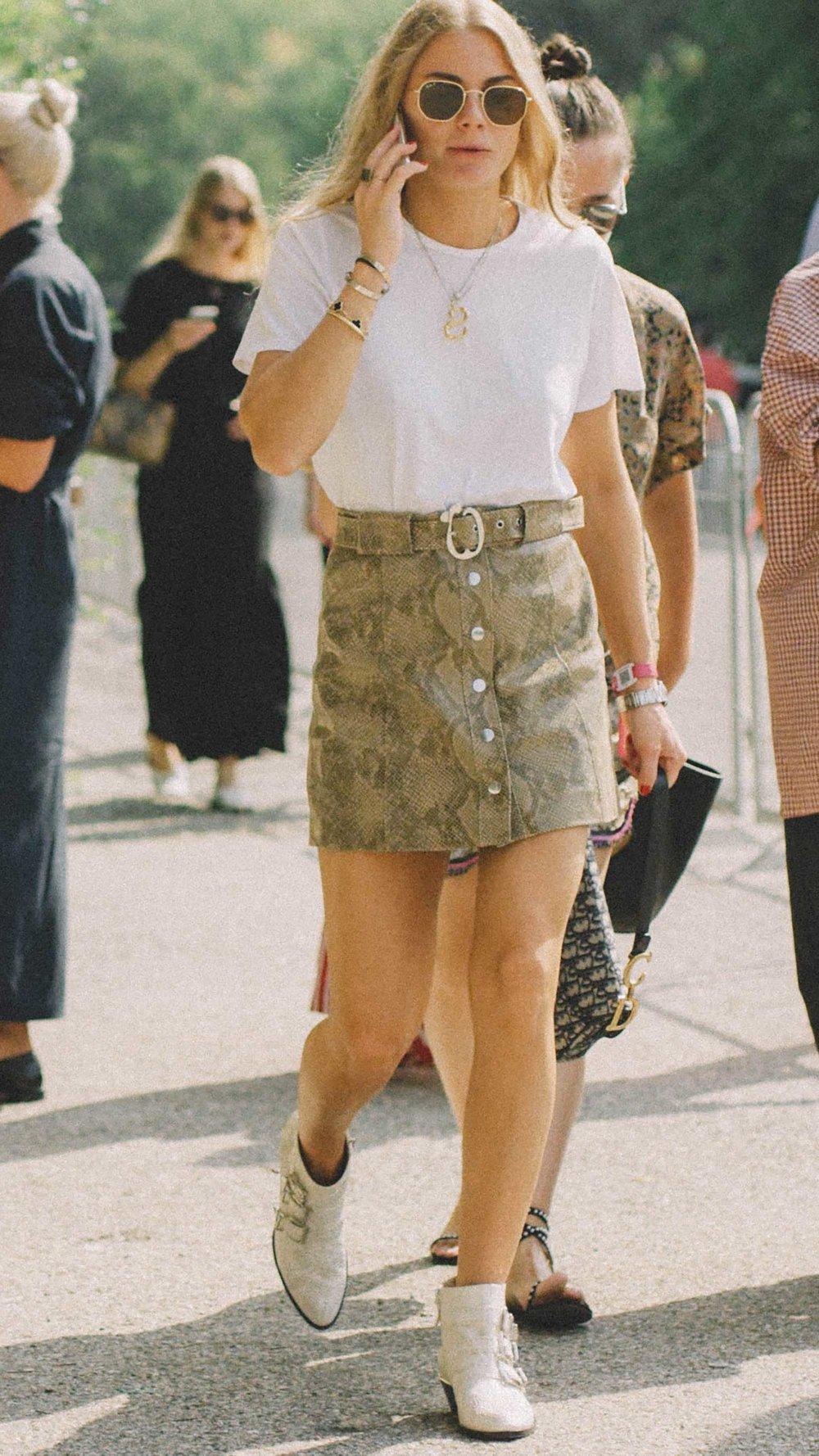 11 ways to wear snake print, snake print skirt street style paris.jpg