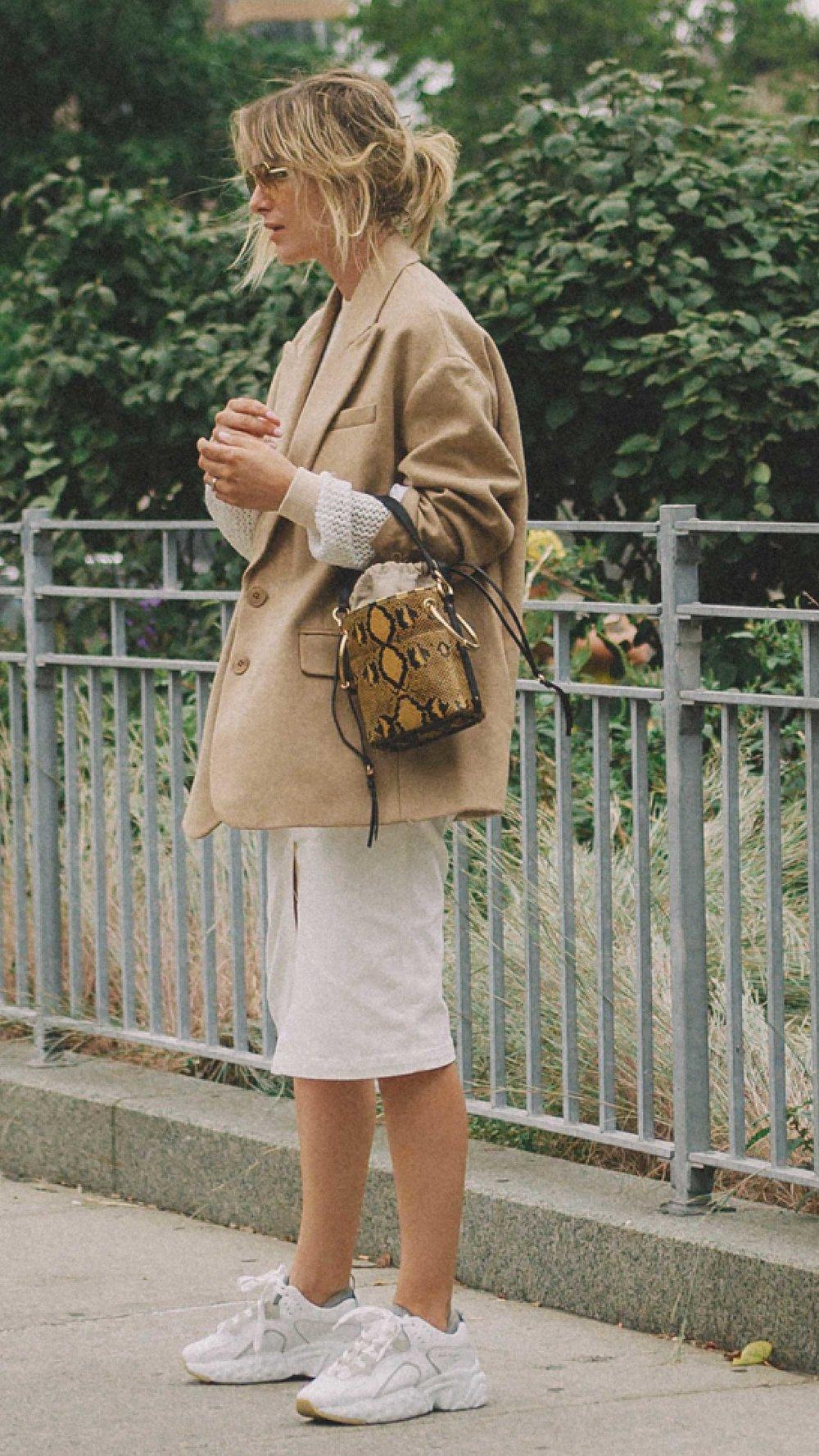 12 Best Chloe bags of Fashion Week -  CHLOe Roy mini leather bucket bag and Chloe Small Tess Leather Shoulder Bag13.jpg