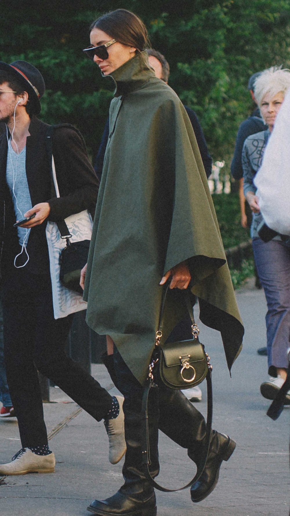 12 Best Chloe bags of Fashion Week -  CHLOe Roy mini leather bucket bag and Chloe Small Tess Leather Shoulder Bag14.jpg