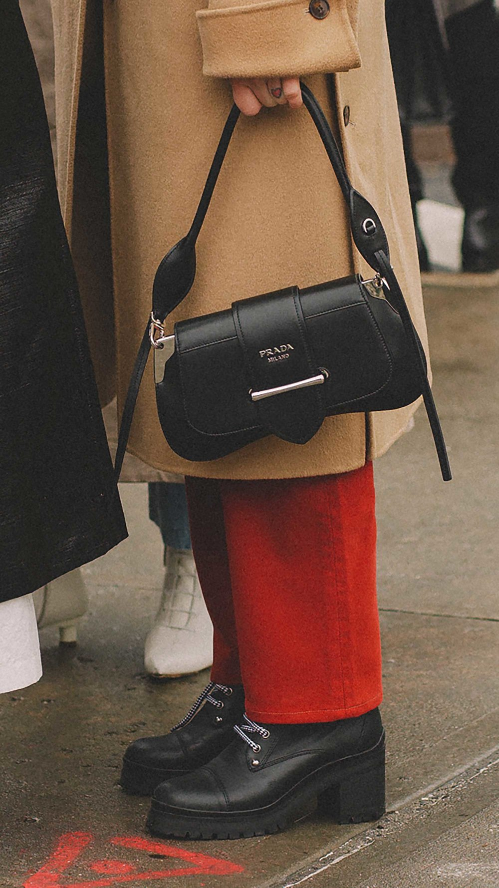 Best outfits of New York Fashion Week street style day two FW19 31.jpg