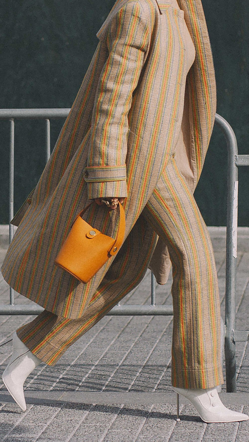 20 irresistible pastel outfit ideas for winter from New York Fashion Week street style8.jpg