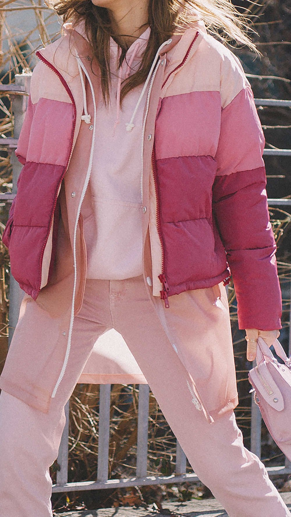 20 irresistible pastel outfit ideas for winter from New York Fashion Week street style6.jpg