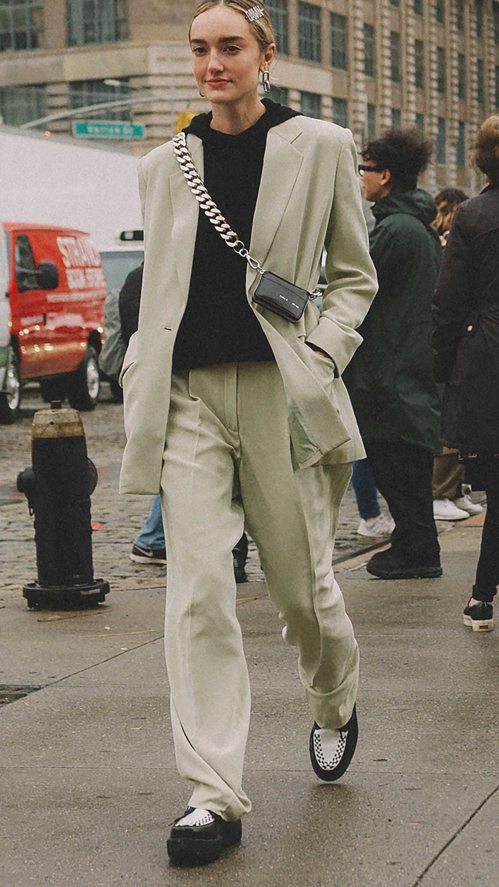 20 irresistible pastel outfit ideas for winter from New York Fashion Week street style20.jpg