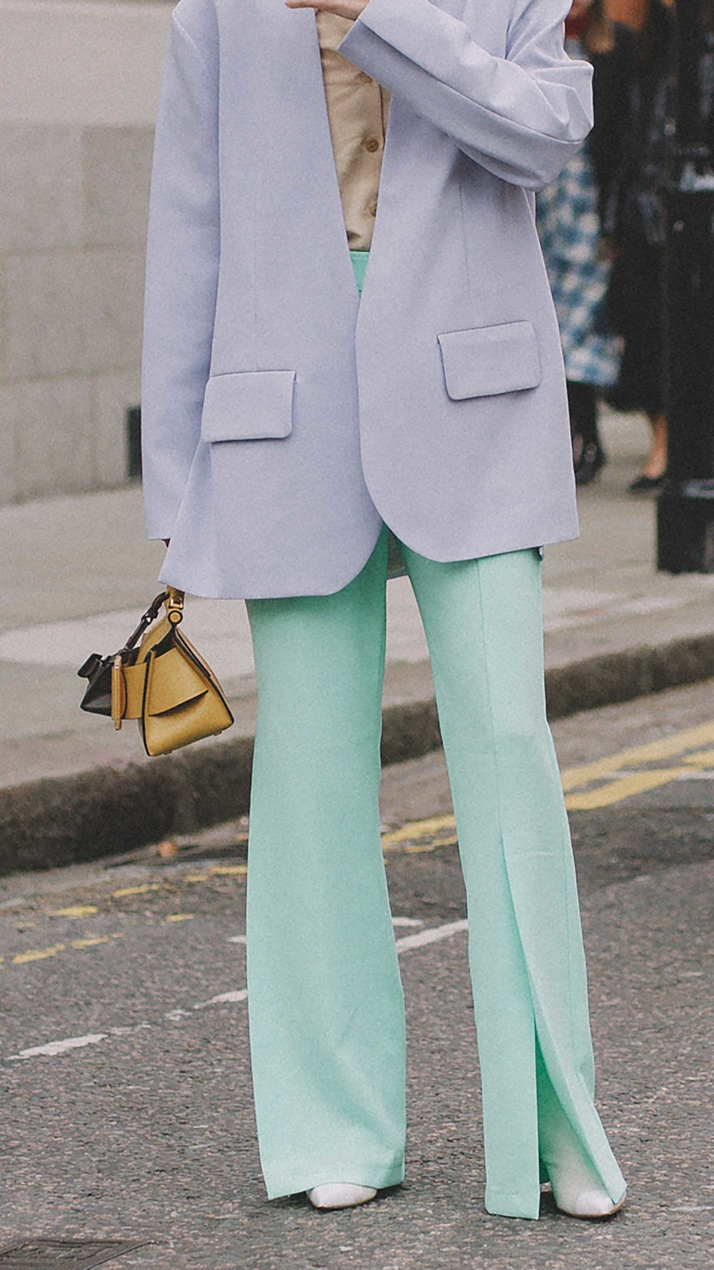 Best outfits of London Fashion Week street style day one NYFW FW1937.jpg