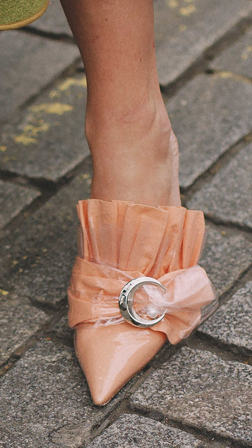 Best outfits of London Fashion Week street style day three LFW FW19 40.jpg