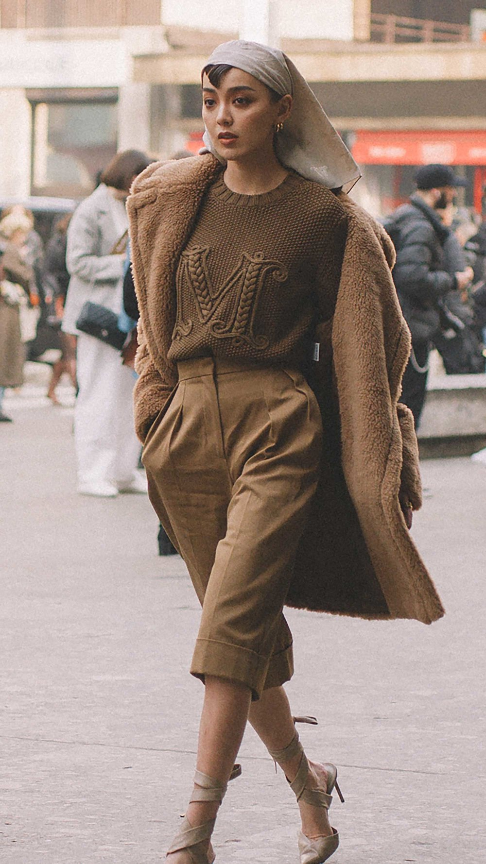 Best outfits of Milan Fashion Week street style day one MFW FW1912.jpg