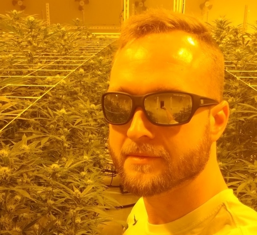 SPENCER BLIER   CEO & FOUNDER |  7 year experienced cultivator & visionary