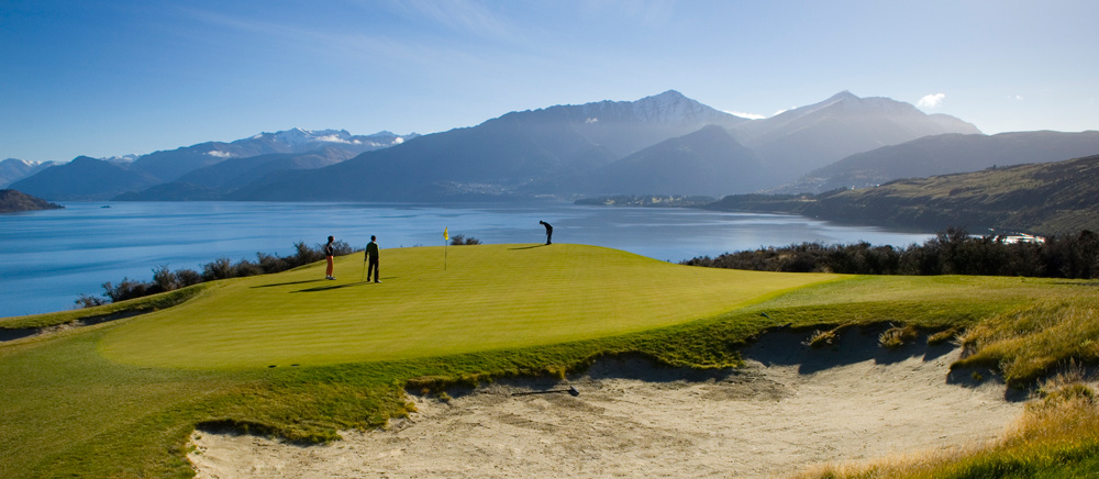 Golf in New Zealand.jpg