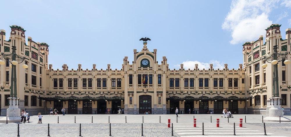 Estación_del_Norte,_Valencia,_España,_2014-06-30,_DD_122.jpg