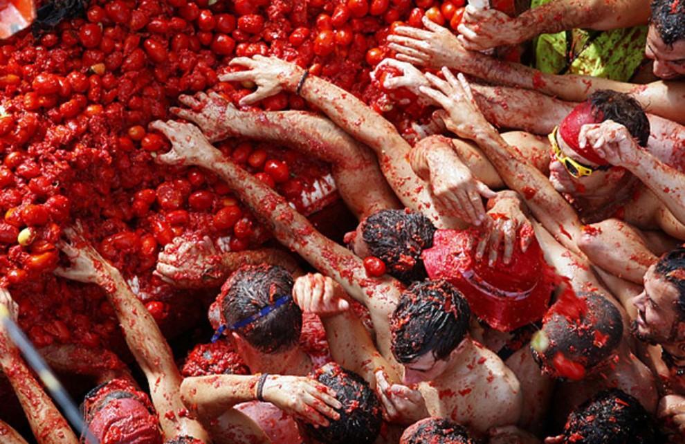 la-tomatina-festival-latest-990x642.jpg
