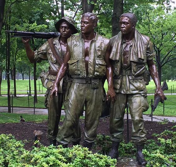 Vietnam-Soldiers-Statue.jpg