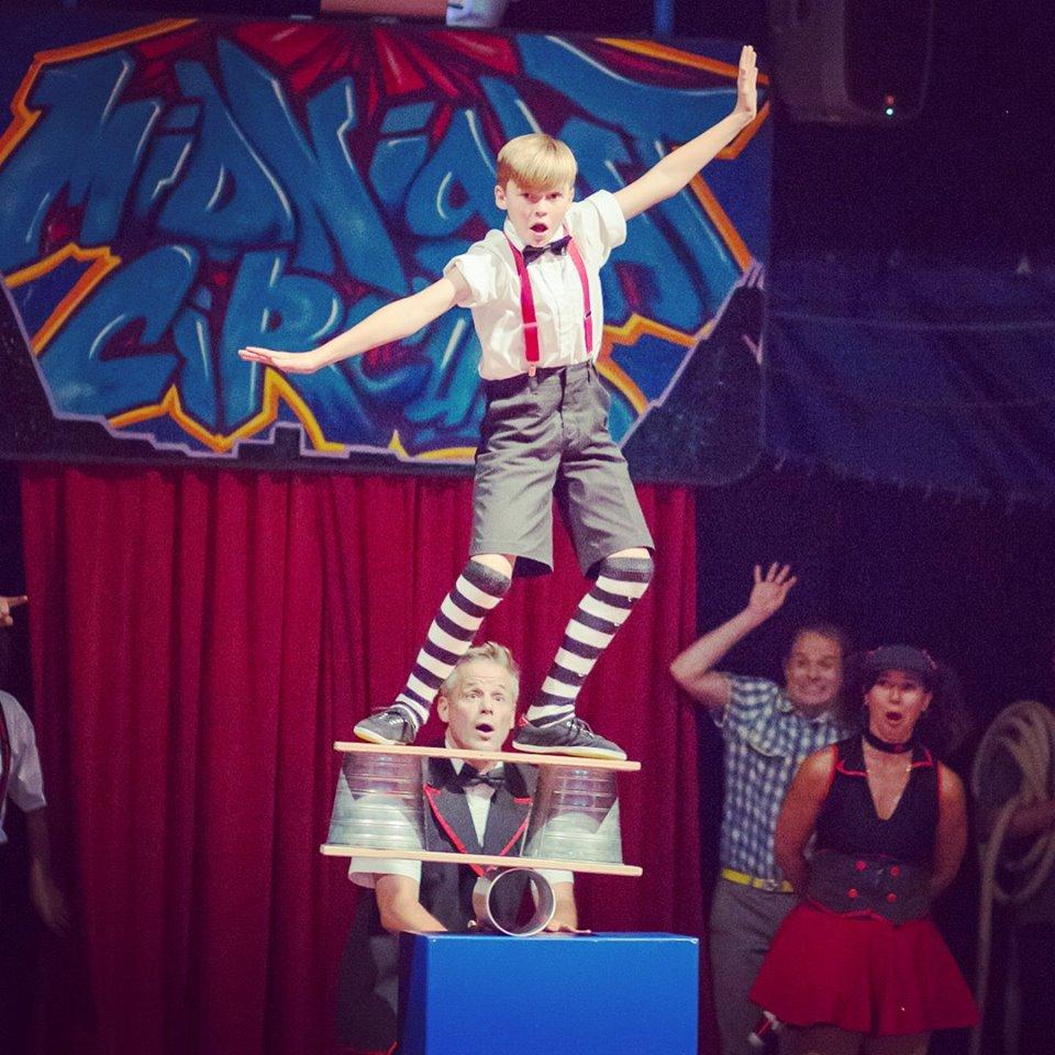 Max Jenkins Rola Bola Midnight Circus, Maxwell Jenkins