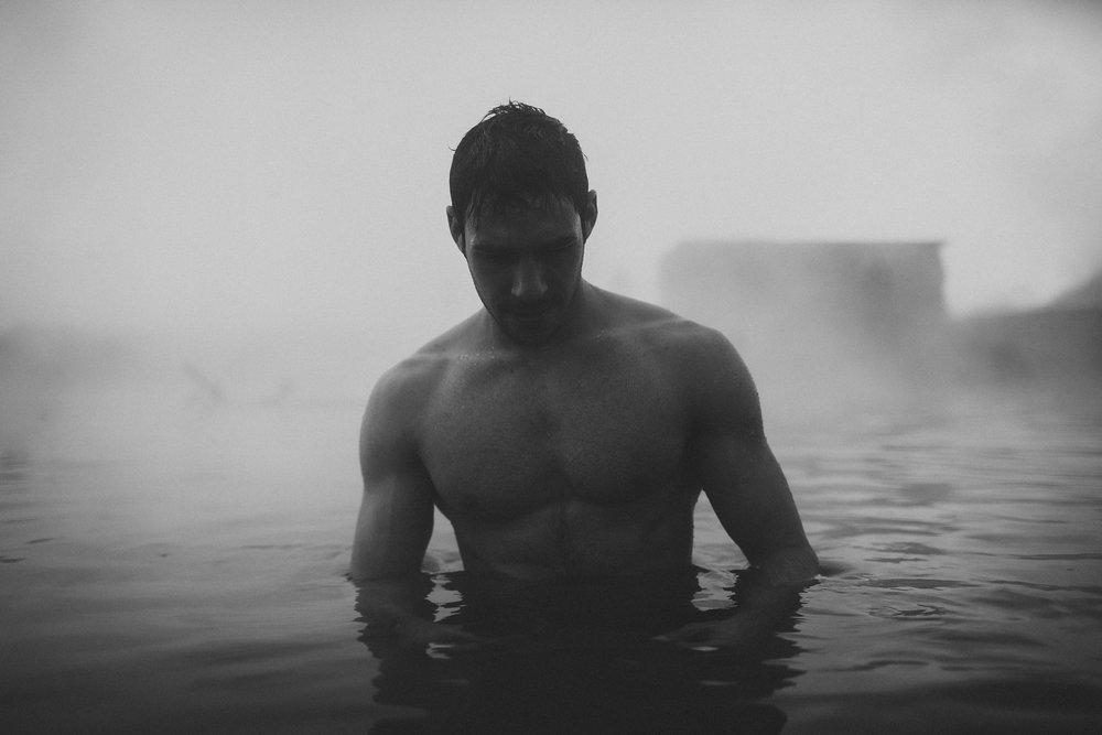 Road-trip-Islande-Iceland-Voyage-Travel-Portrait-Jérémy-Boyer-blue-secret-lagoon-hot-water-bath-3.jpg