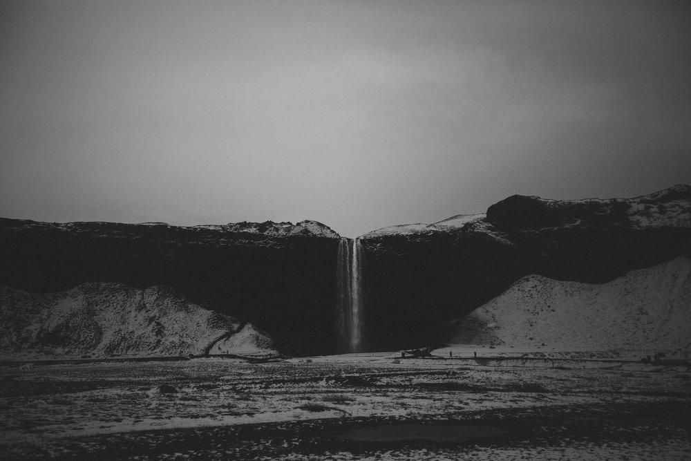 Road-trip-Islande-Iceland-Voyage-Travel-Portrait-Jérémy-Boyer-Cascade-waterfall-foss-Seljalandsfoss-5.jpg
