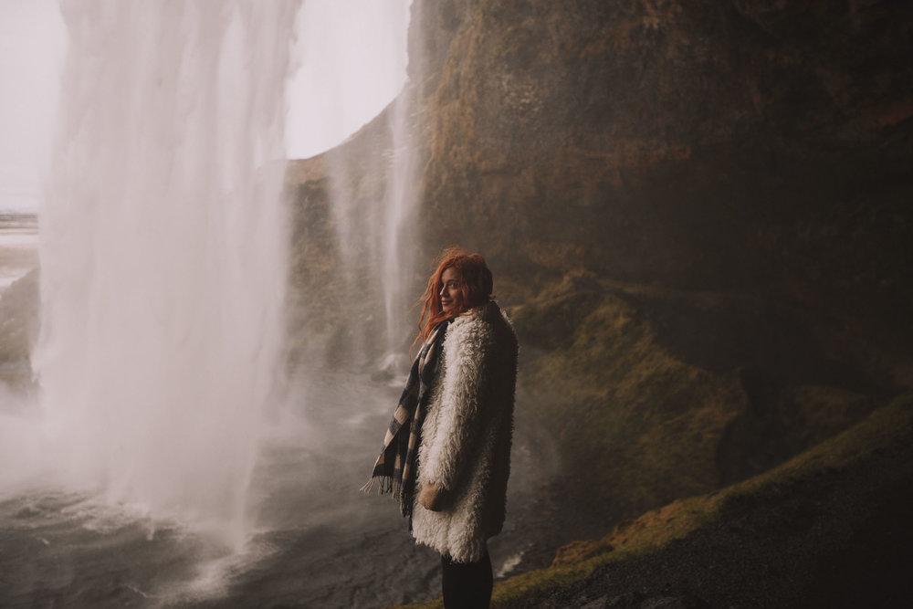 Road-trip-Islande-Iceland-Voyage-Travel-Portrait-Jérémy-Boyer-Cascade-waterfall-foss-Seljalandsfoss-8.jpg