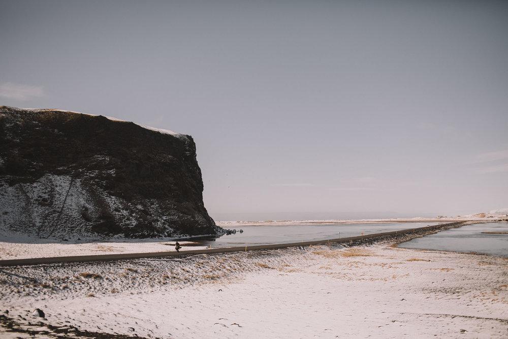 Road-trip-Islande-Iceland-Voyage-Travel-Portrait-Jérémy-Boyer-Sunny-day-between-Skogafoss-Dyrholaey-1.jpg
