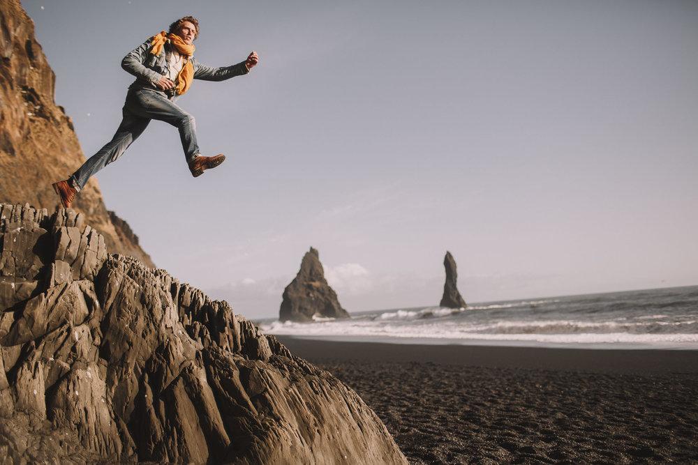 Road-trip-Islande-Iceland-Voyage-Travel-Portrait-Jérémy-Boyer-Sunny-day-Vik-black-sand-beach-sable-noir-Reynifjara-20.jpg