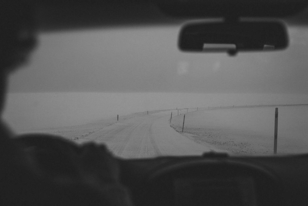 Road-trip-Islande-Iceland-Voyage-Travel-Portrait-Jérémy-Boyer-mountain-montagne-snow-storm-tempete-neige-2.jpg