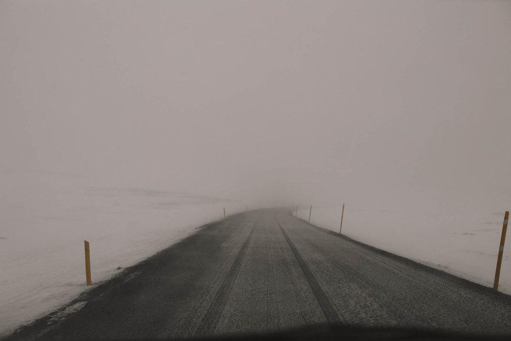 Road-trip-Islande-Iceland-Voyage-Travel-Portrait-Jérémy-Boyer-mountain-montagne-snow-storm-tempete-neige-3.jpg