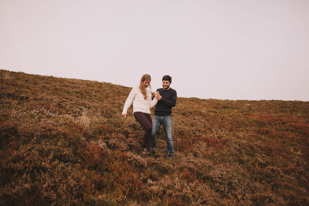 Pyrénées-mountains-wedding-photographer-jeremy-boyer-montagne-engagement-session-love-couple-12.jpg