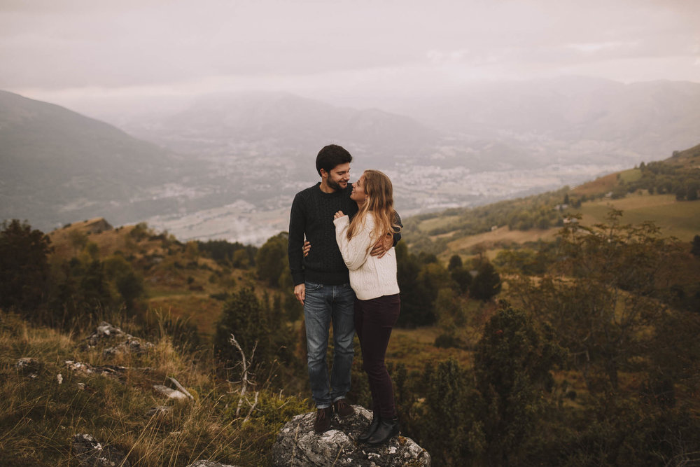 Pyrénées-mountains-wedding-photographer-jeremy-boyer-montagne-engagement-session-love-couple-52.jpg
