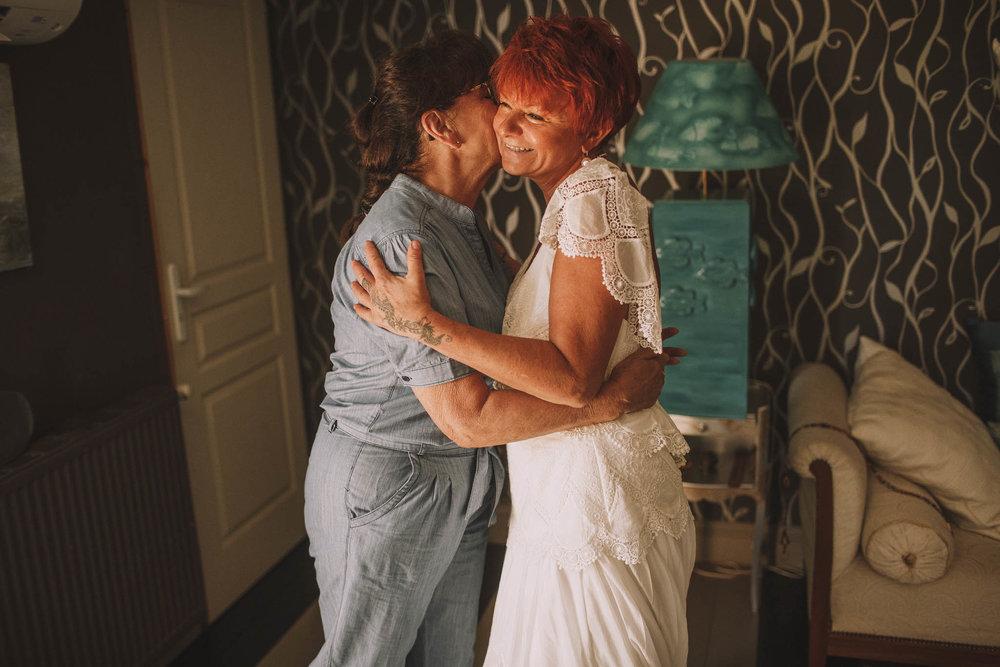 France-wedding-photographer-jeremy-boyer-dordogne-aquitaine-perigord-ceremonie-laique-16.jpg