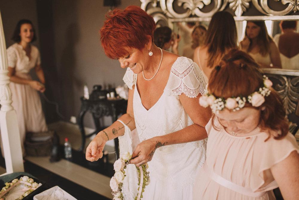 France-wedding-photographer-jeremy-boyer-dordogne-aquitaine-perigord-ceremonie-laique-19.jpg