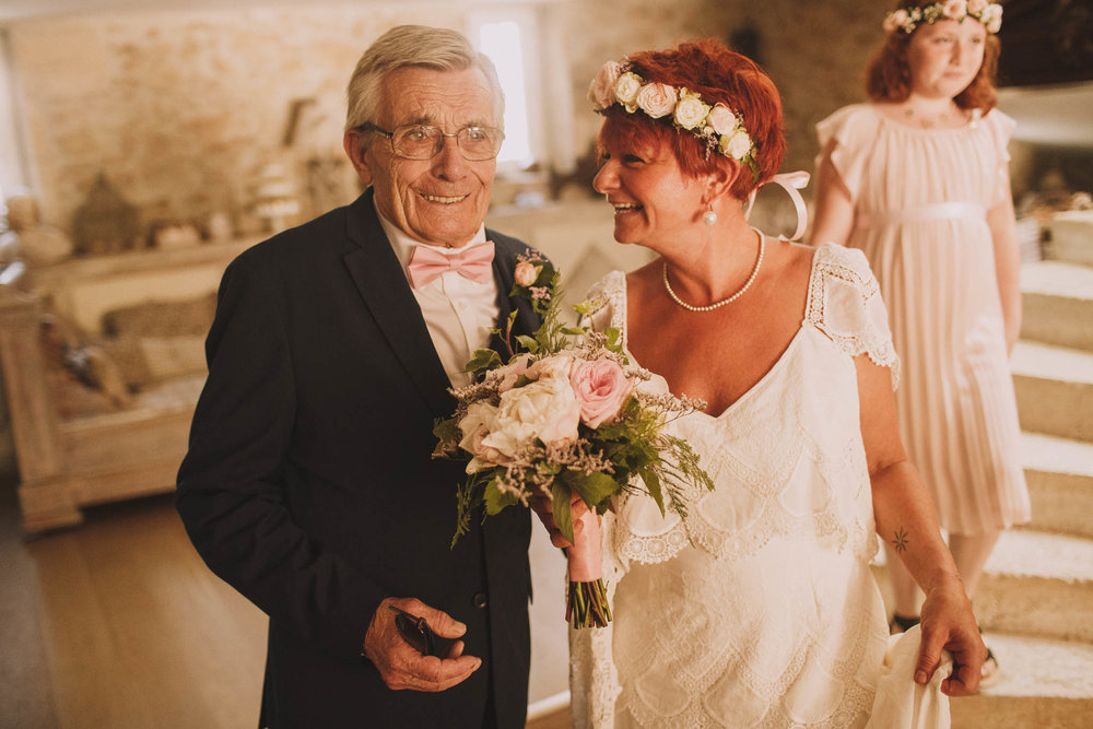 France-wedding-photographer-jeremy-boyer-dordogne-aquitaine-perigord-ceremonie-laique-25.jpg