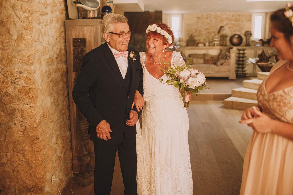 France-wedding-photographer-jeremy-boyer-dordogne-aquitaine-perigord-ceremonie-laique-27.jpg