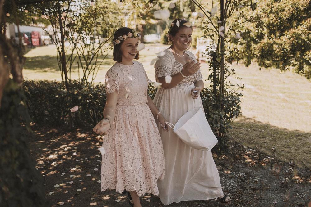 France-wedding-photographer-jeremy-boyer-dordogne-aquitaine-perigord-ceremonie-laique-29.jpg