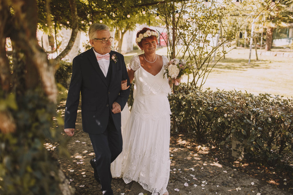 France-wedding-photographer-jeremy-boyer-dordogne-aquitaine-perigord-ceremonie-laique-30.jpg