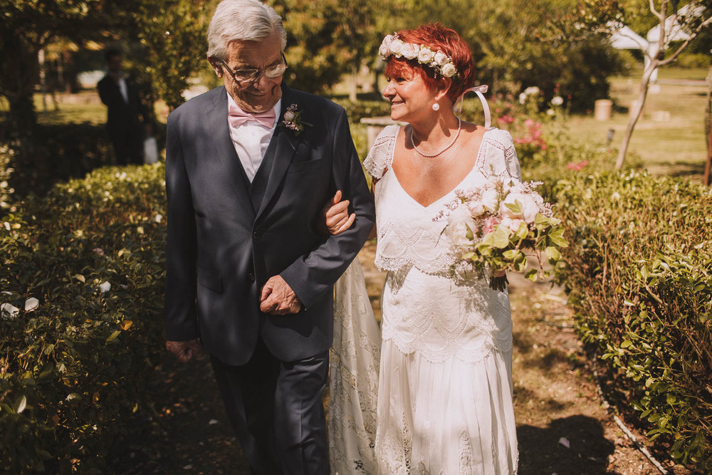 France-wedding-photographer-jeremy-boyer-dordogne-aquitaine-perigord-ceremonie-laique-32.jpg