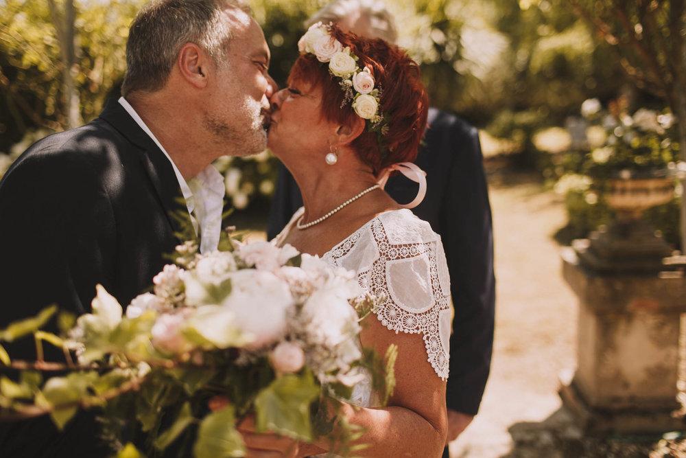 France-wedding-photographer-jeremy-boyer-dordogne-aquitaine-perigord-ceremonie-laique-35.jpg