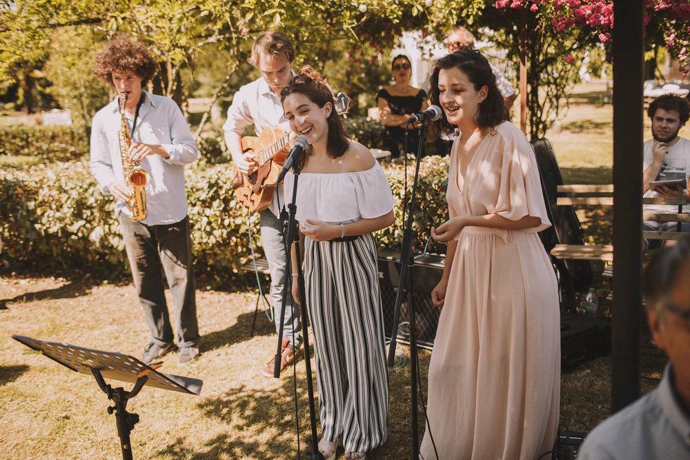 France-wedding-photographer-jeremy-boyer-dordogne-aquitaine-perigord-ceremonie-laique-37.jpg