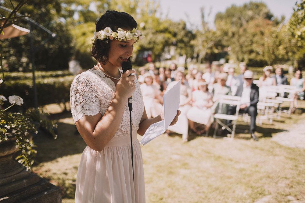 France-wedding-photographer-jeremy-boyer-dordogne-aquitaine-perigord-ceremonie-laique-41.jpg