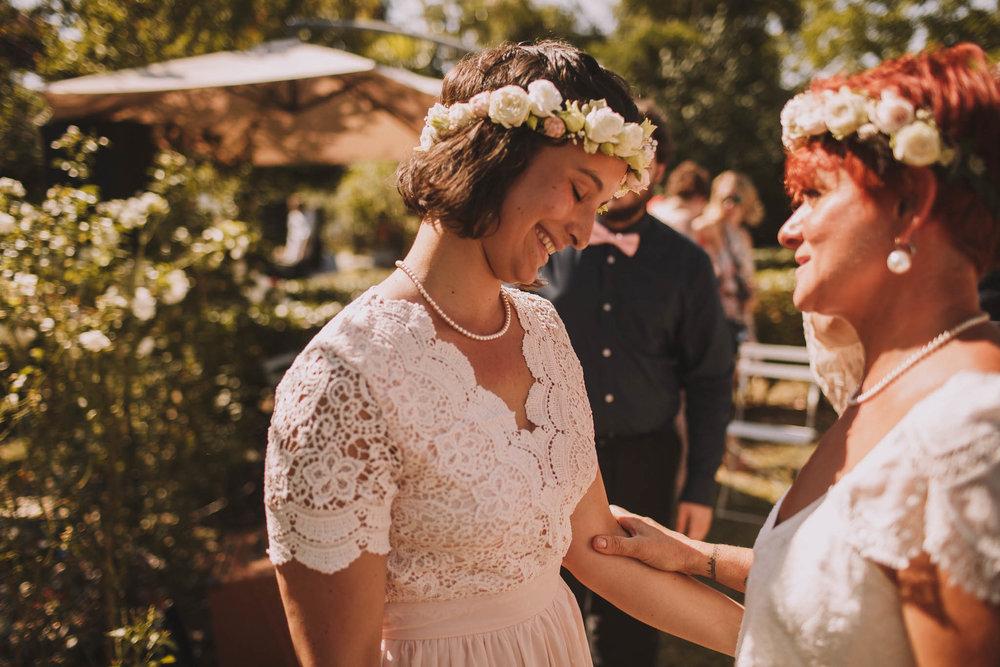 France-wedding-photographer-jeremy-boyer-dordogne-aquitaine-perigord-ceremonie-laique-58.jpg