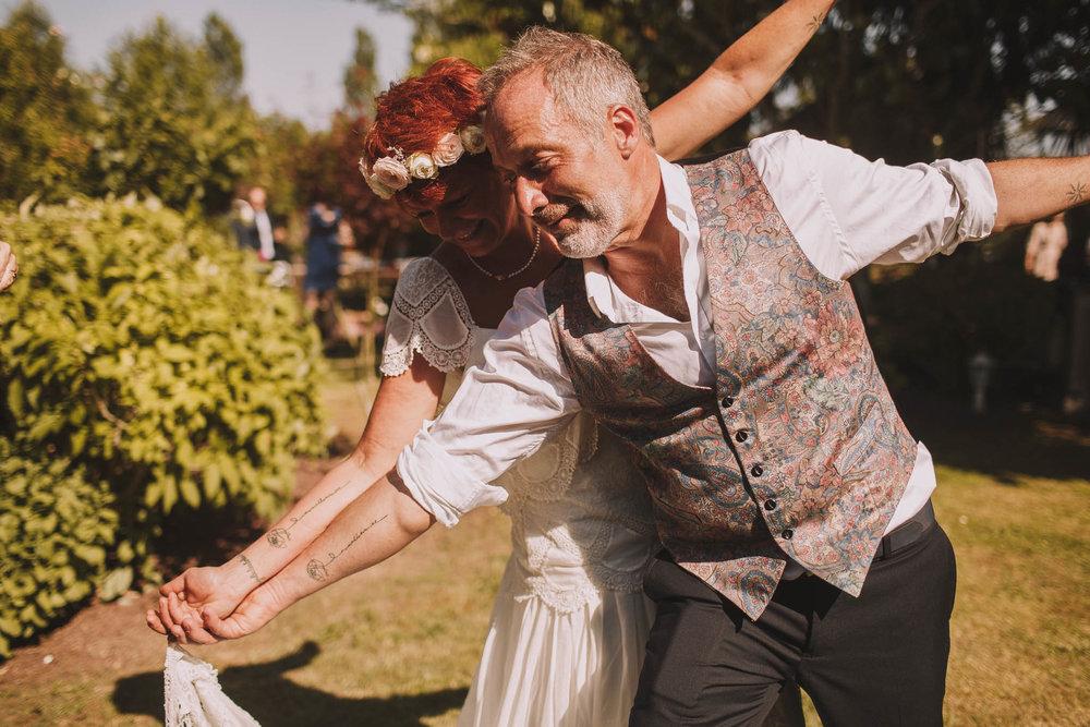 France-wedding-photographer-jeremy-boyer-dordogne-aquitaine-perigord-ceremonie-laique-66.jpg